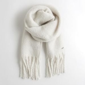 🍒NWT🍒 HOLLISTER SOFT AS CLOUDS LONG SCARF